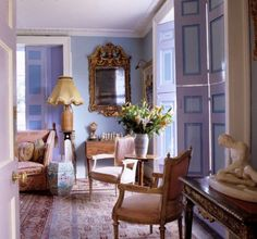 Georgian blue room in England Eclectic Style, Eclectic Decor, Light Blue Rooms, Dream Master Bedroom, Beautiful Interiors, French Interiors, English Interior, English Country Style, Kind Of Blue