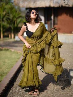 Trending: Ruffled Saree Ideas for Weddings 2019 - ShaadiWish Trendy Sarees, Stylish Sarees, Fancy Sarees, Indian Dresses, Indian Outfits, Shadi Dresses, Saree Blouse Neck Designs, Choli Designs, Modern Saree