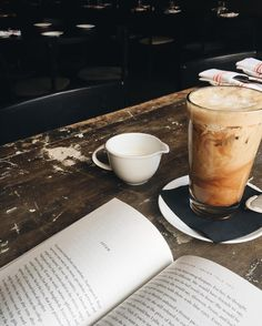 Books & Coffee