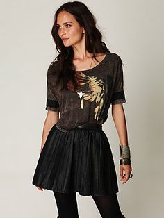 pleated skirt...i don't know how to wear mine.....eeek