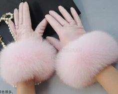 Leather Gloves Large Fox Fur Gloves Winter Pink Lady Sheep Fur Gloves Big Mouth-in Women's Gloves fr. Fur Fashion, Winter Fashion Outfits, Teen Fashion, Pink Gloves, Women's Gloves, Ladies Gloves, Gants Roses, Pink Ladies, Elegant Gloves