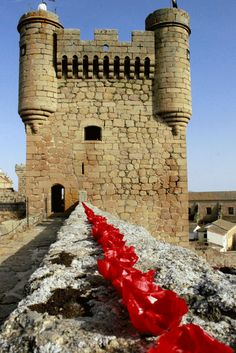 Castles of Spain - Castillo de Oropesa  Toledo   Spain Places Around The World, Around The Worlds, Spanish Holidays, Medieval Tower, Castle Ruins, Seaside Resort, Grand Mosque, Balearic Islands, Chateaus