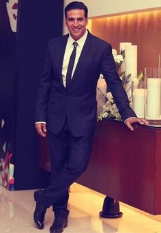 Suave and Sexy Akshay Kumar sir at .love life like Bollywood Stars, Bollywood News, Bollywood Actress, Indian Celebrities, Bollywood Celebrities, Clothes For Men Over 50, Akshay Kumar Photoshoot, Akshay Kumar Style, Indian Star