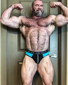Heavyweight - Superheavyweight bodybuilders and powerlifters of the world. Photos, videos, informations, muscleworship Muscle Body, Muscle Men, Senior Bodybuilders, Muscle Beach, Daddy Bear, Bear Men, Hairy Men, Beautiful Men, Hot Guys