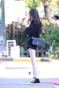diet Krystal Jung Fashion, Diet Motivation Pictures, K Idol, Soyeon, Boutique Design, Korean Actresses, Body Inspiration, Airport Style, Korean Beauty
