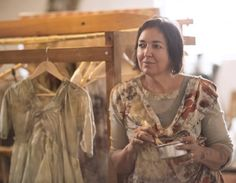 India Flint is a botanical alchemist. Words by Georgina Reid. Images by Hayley Renee Natural Dye Fabric, Natural Dyeing, Shibori, India Flint, Textiles, Clothing And Textile, Textile Artists, India Fashion, How To Dye Fabric