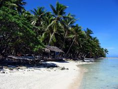 Discover Suwarrow Atoll in Cook Islands: A desert island with both a buried treasure and a famous castaway. Desert Island, Island Beach, Islas Cook, Cities, Islands In The Pacific, The Lone Ranger, Beaches In The World, Cook Islands, Fiji Islands
