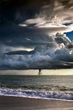 Mother nature can be amazing and scary. #tornado www.facebook.com/pages/Focalglasses/551227474936539 Best Vision in The World!