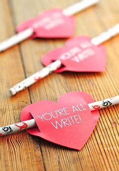 Looking for cute Valentine's Day ideas? Me too! Here are several I found online that are FREE and adorbs. Just click on the pic to take you to the creator's awesome website!! Now I can't choose which one I like the most! Well, if that is my biggest problem today, then I will survive!  …