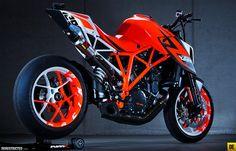 KTM 1290 Superduke R prototype « Custom Bikes « DERESTRICTED