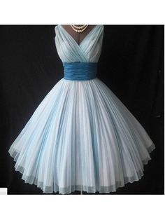 carnival Organza Ball Gown Square Neckline Knee-length Cocktail Dress | Charming Ball Gown V-neck Neckline Knee Length Prom Dress by Rona87