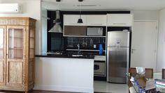 Casa quase pronta! Granito e bancada preto absoluto, pendentes, azulejo pintado com tinta epoxi oreta e varões com aramados comprados na Rua Paes Leme - Pinheiros, SP #obraintegente #reforma #homesweethome