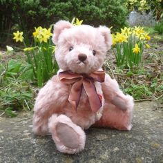 Nostalgic Teddy Pink by Teddy-Hermann Beren, Love Bear, Ribbon Bows, Teddy Bears, Panda, England, Toys, Animals, Plushies