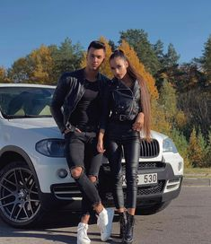 Casal Couple Casal The post Casal appeared first on 2019 Pins. Photo Poses For Couples, Cute Couples Goals, Couple Posing, Matching Couple Outfits, Matching Couples, Paar Style, Couple Goals Teenagers, Cute Skirt Outfits, Cute Couple Pictures