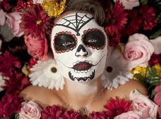 http://www.muitochique.com/maquiagem/maquiagem-caveira-mexicana-sugar-skull.html