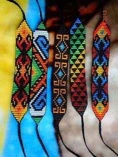 Bead Loom Designs, Beadwork Designs, Beading Patterns Free, Bead Loom Patterns, Bead Loom Bracelets, Beaded Bracelet Patterns, Seed Bead Jewelry, Bead Jewellery, Card Weaving