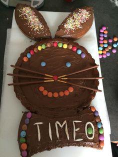 Gateau lapin anniversaire Desserts, Tailgate Desserts, Deserts, Dessert, Food Deserts