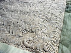 gorgeous quilting by Green Fairy Quilts.