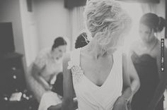 messy updo for a vintage glam bride | CHECK OUT MORE IDEAS AT WEDDINGPINS.NET | #weddinghair