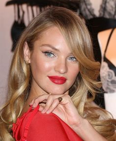 Candice Swanepoel. Signet ring