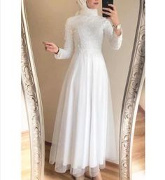 Hijab Evening Dress, Hijab Dress Party, Evening Dresses, Designer Party Wear Dresses, Dresses To Wear To A Wedding, Stylish Dresses, Nice Dresses, Fashion Dresses, Fancy Dress Design