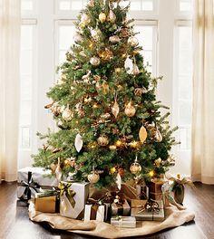 #Metallic #palette #Christmas #tree