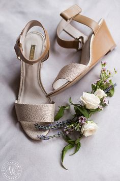Detail photo of brides shoes with her flower piece for her hair. Because details are important. Alta Lodge wedding. Utah wedding photographer | Whitney Hunt Photography
