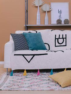 Το Line Art στυλ θα κυριαρχήσει στην διακόσμηση σπιτιού το 2021! #lineart #symmetryliving #γραμμικητεχνη #διακόσμηση #ιδεεςδιακοσμησης #μαξιλαρια #μαξιλαροθηκες #ριχτάρια #ριχταριαγιακαναπε #σαλόνι #χαλια ΔΙΑΚΟΣΜΗΣΗ Line Art, Home Decor, Decoration Home, Room Decor, Line Drawings, Home Interior Design, Home Decoration, Line Illustration, Stripes