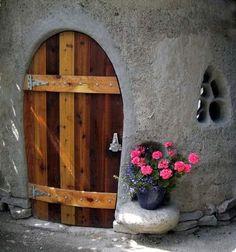 construcción de casas de barro,madera y piedras