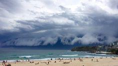 No es un tsunami pero lo parece: así son las imponentes nubes arcus