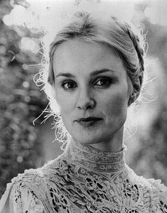 Jessica Lange! She's so beautiful! I love her when she plays a crazy psycho!