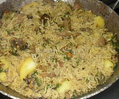 Looking for a delicious rice recipe? Learn how to make Kenyan goat pilau. Rice Recipes, Side Dish Recipes, Indian Food Recipes, Cooking Recipes, Ethnic Recipes, Kenyan Recipes, African Recipes, How To Cook Pilau, Pilau Rice