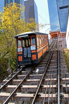 Angels Flight Railway - a little step back in time in the middle of downtown LA… California Dreamin', Los Angeles California, Angel Flight, Los Angeles Hollywood, Bunker Hill, Let The Fun Begin, City Of Angels, Downtown Los Angeles, Beautiful Buildings