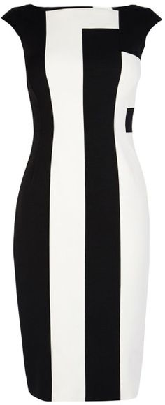 Layer on a colorful bubble necklace? Sexy Dresses, Cute Dresses, Casual Dresses, Fashion Dresses, Dresses For Work, Karen Millen, Classy Outfits, Beautiful Outfits, White Sleeveless Dress