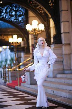 Laura Byrnes California Gia Gown in White Estilo Pin Up, Estilo Retro, Trajes Pin Up, Pin Up Retro, Retro Fashion, Vintage Fashion, Womens Fashion, Style Personnel, Mode Glamour