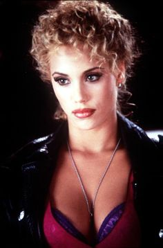 elizabeth berkley | elizabeth berkley est une actrice americaine nee le 28 juillet 1972 a ...