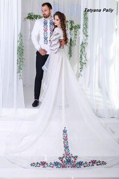 Елізабет - 22900 грн Colored Wedding Dresses, Bridal Wedding Dresses, Bridal Style, Wedding Bride, Mexican Fancy Dress, Mexican Dresses, Embroidery Fashion, Embroidery Dress, Embroidery Kits