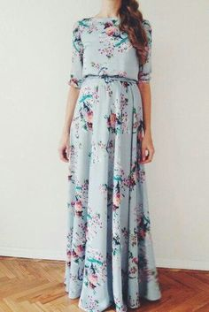 Floral bird print maxi chiffon dress with scoop back by NelliUzun // Granny Style Maxi Robes, Chiffon Maxi Dress, Dress Skirt, Dress Up, Navy Dress, Pretty Outfits, Pretty Dresses, Beautiful Dresses, Cute Outfits