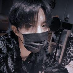 Gwangju, Jung Kook, Elvis Presley, Taehyung, Bts Bag, Bts Summer Package, Fall In Luv, Peinados Pin Up, Mnet Asian Music Awards