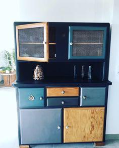 Buffet Mado Léandre – Idee - New ideas Paint Furniture, Plywood Furniture, Upcycled Furniture, Furniture Makeover, Vintage Furniture, Cool Furniture, Furniture Design, Chair Design, Design Design