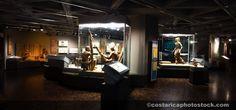 Esta un museo en Costa Rica. Hay muchos museos en Costa Rica que la gente visita.