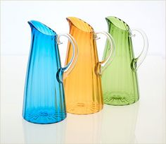 Choose a colorful pitcher for outdoor entertainment.