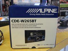 Alpine CDE-W265BT Double DIN Bluetooth in-Dash CD//AM//FM Receiver w//App Direct Mode