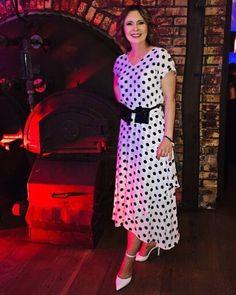 MARTA KIELCZYK - 2019 . Short Sleeve Dresses, Dresses With Sleeves, Fashion, Moda, Gowns With Sleeves, Fashion Styles, Fasion