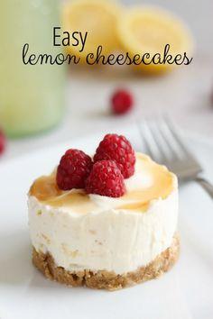Easy lemon cheesecakes with a lemonade glaze - SO easy to make!