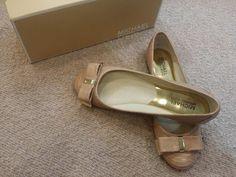 Put your best foot forward in a super cute pair of #MichaelKors flats from #PlatosClosetBrampton – So amazing with SO many looks! //#MK flats, 8.5, new in box $50//   www.platosclosetbrampton.com