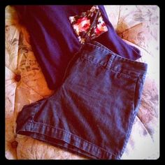 "Dark Denim |LOFT| shorts Super gorgeous dark denim shorts.  Good condition.  Just a little too big for me. :-( The perfect short!  Dress up or dress down. Sz 12.  100%. Cotton.  3.5"" inseam.  Let me know if other measurements are needed. LOFT Shorts Jean Shorts"