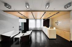Новый просторный офис для крупного холдинга