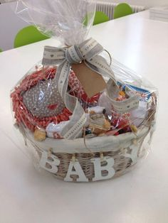 Award-Winning Gift Fruit filled gift baskets for just about any Special occasion. Regalo Baby Shower, Baby Shower Gift Basket, Baby Hamper, Baby Shower Favors, Baby Shower Gifts, Theme Baskets, Baby Baskets, Diy Gift Baskets, Christmas Gift Baskets
