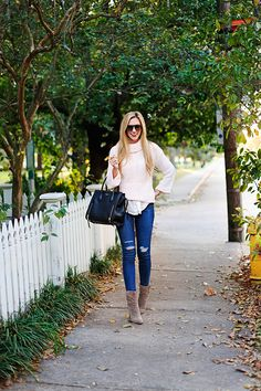 Outfit Quickie: pink knit sweater / midi boots / distressed jeans
